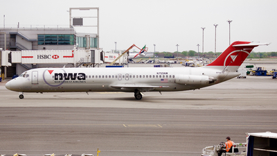 N755NW - McDonnell Douglas DC-9-41 - Northwest Airlines