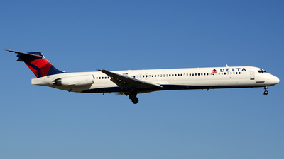 N983DL - McDonnell Douglas MD-88 - Delta Air Lines