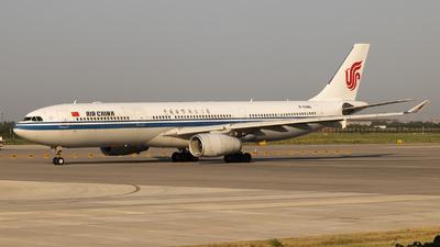 B-5946 - Airbus A330-343 - Air China