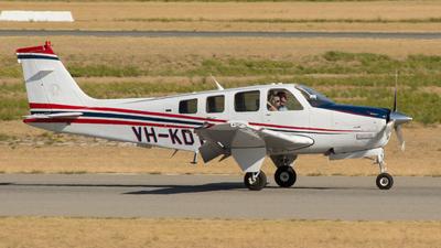 VH-KDT - Beechcraft G58 Baron - Private