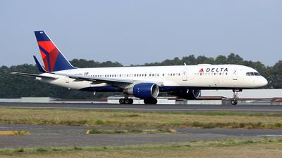 N665DN - Boeing 757-232 - Delta Air Lines