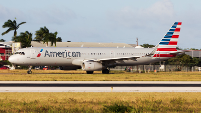 N909AM - Airbus A321-231 - American Airlines