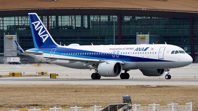 A picture of JA211A - Airbus A320271N - All Nippon Airways - © Song Yingqi
