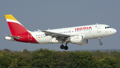 A picture of ECJEI - Airbus A319111 - Iberia - © András Soós