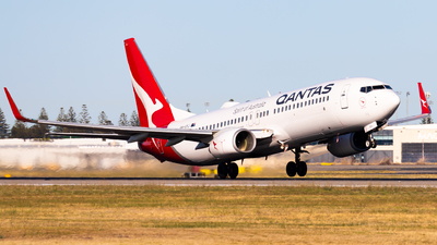 A picture of VHVYJ - Boeing 737838 - Qantas - © Eric Esots