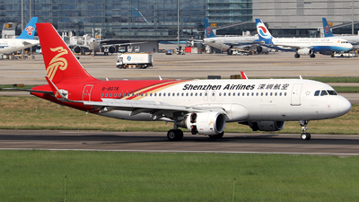 A picture of B8078 - Airbus A320214 - Shenzhen Airlines - © Samuel Pan