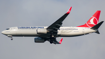 A picture of TCJVY - Boeing 7378F2 - Turkish Airlines - © t_berat_k