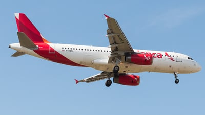 A picture of N493TA - Airbus A320233 - Avianca - © Alonso Cisneros