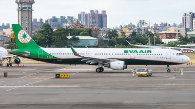 A picture of B16211 - Airbus A321211 - EVA Air - © KenNgan