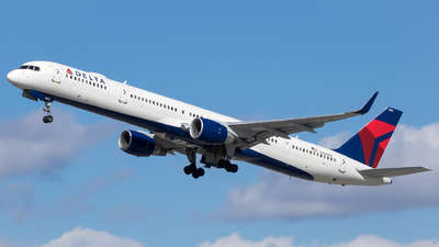 A picture of N596NW - Boeing 757351 - Delta Air Lines - © Stephen J Stein