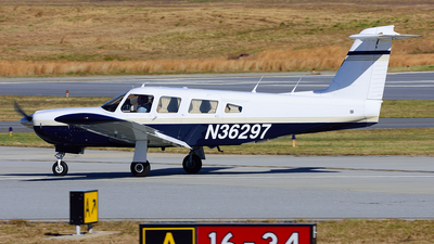 N36297 - Piper PA-32RT-300 Lance II - Private