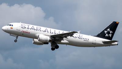 N454AV - Airbus A320-214 - Avianca