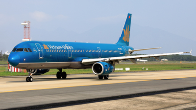 A picture of VNA601 - Airbus A321231 - Vietnam Airlines - © photogiap