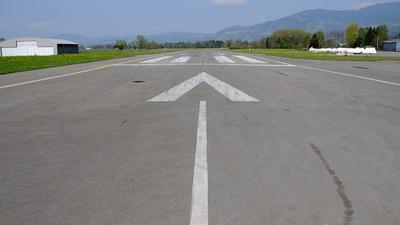 LOIH - Airport - Runway