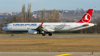 TC-JSU - Airbus A321-231 - Turkish Airlines