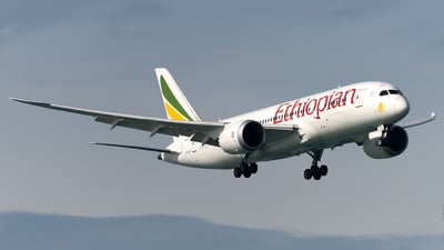 A picture of ETATJ - Boeing 7878 Dreamliner - Ethiopian Airlines - © Andrew Hunt