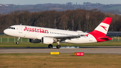 A picture of OELBJ - Airbus A320214 - Austrian Airlines - © Radim Koblížka