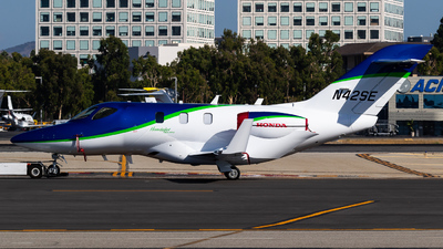 N42SE - Honda HA-420 HondaJet Elite - Private