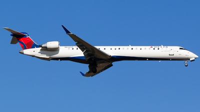 A picture of N838SK - Mitsubishi CRJ900LR - Delta Air Lines - © Alec Mollenhauer
