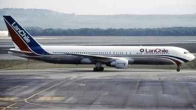 CC-CDM - Boeing 767-352(ER) - Lan Chile