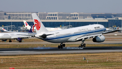 B-6070 - Airbus A330-243 - Air China