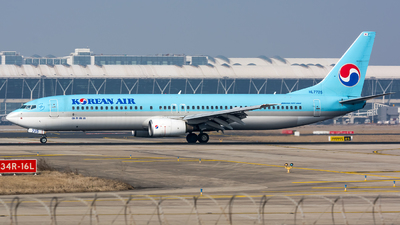 HL7725 - Boeing 737-9B5 - Korean Air
