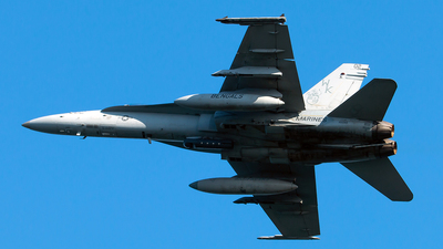 165199 - McDonnell Douglas F/A-18C Hornet - United States - US Marine Corps (USMC)