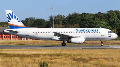 LY-VEQ - Airbus A320-232 - SunExpress