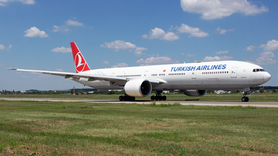 A picture of TCJJJ - Boeing 7773F2(ER) - Turkish Airlines - © Robert Dumitrescu