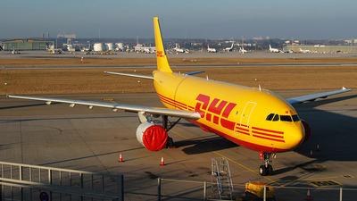 D-AZMO - Airbus A300F4-622R - DHL (European Air Transport)