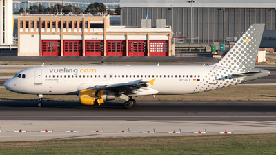 EC-MAX - Airbus A320-214 - Vueling Airlines