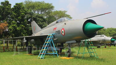 C-1128 - Mikoyan-Gurevich MiG-21 Fishbed - India - Air Force