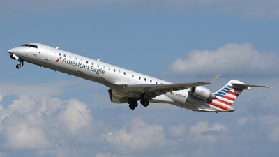 A picture of N550NN - Mitsubishi CRJ900LR - American Airlines - © DJ Reed - OPShots Photo Team