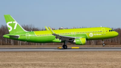 A picture of VPBOL - Airbus A320214 - S7 Airlines - © Andrei Kurach