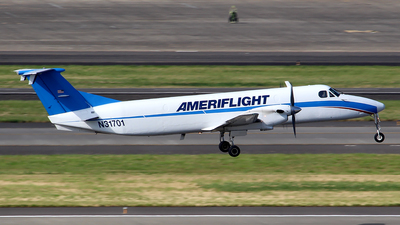 A picture of N31701 - Beech 1900C - Ameriflight - © Huy Do