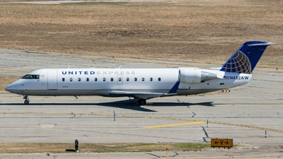 A picture of N452AW - Mitsubishi CRJ200LR - United Airlines - © ne.planespotter