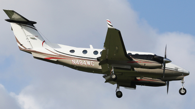 N484WC - Beechcraft 300 Super King Air - Private