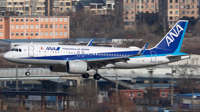 A picture of JA211A - Airbus A320271N - All Nippon Airways - © Eric Page Lu