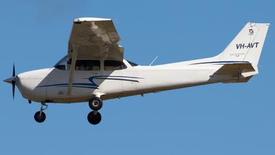 VH-AVT - Cessna 172S Skyhawk SP - Air Gold Coast