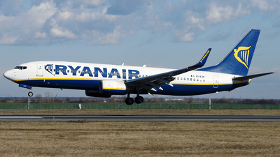 A picture of EIEVK - Boeing 7378AS - Ryanair - © Marin Ghe.