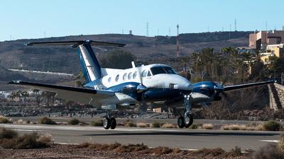N3ME - Beechcraft F90 King Air - Private