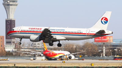 B-2356 - Airbus A320-214 - China Eastern Airlines