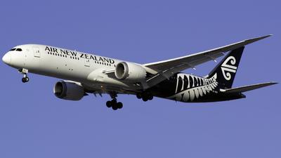 ZK-NZQ - Boeing 787-9 Dreamliner - Air New Zealand
