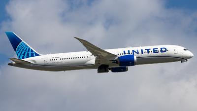 A picture of N24980 - Boeing 7879 Dreamliner - United Airlines - © Sean Brink