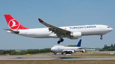 A picture of TCJOO - Airbus A330223F - Turkish Airlines - © Ricardo de Vries