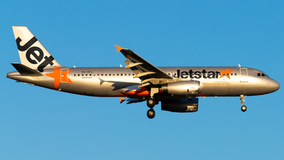 A picture of VHVFJ - Airbus A320232 - Jetstar Airways - © Eric Esots