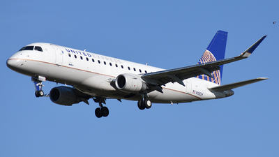 A picture of N106SY - Embraer E175LR - United Airlines - © Michael Rodeback