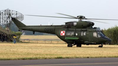 0910 - PZL-Swidnik W3A Sokol - Poland - Army