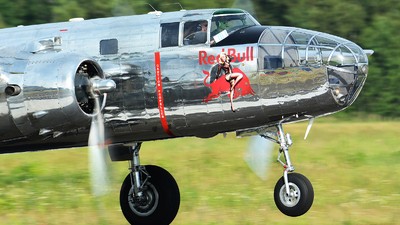 N6123C - North American B-25J Mitchell - The Flying Bulls