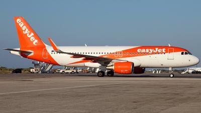 G-EZPX - Airbus A320-214 - easyJet